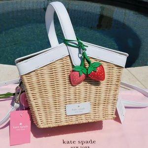 Kate spade wicker picnic basket NWT strawberry